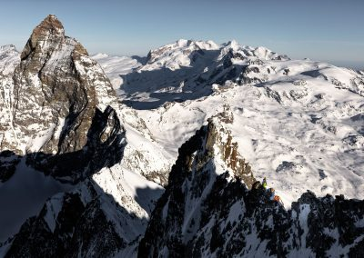 Una cresta Himalayana sopra il cielo di casa